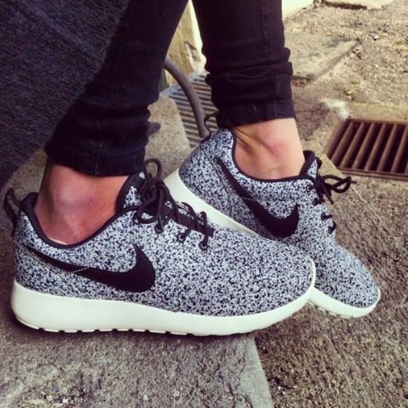 nike fille swag or blanc