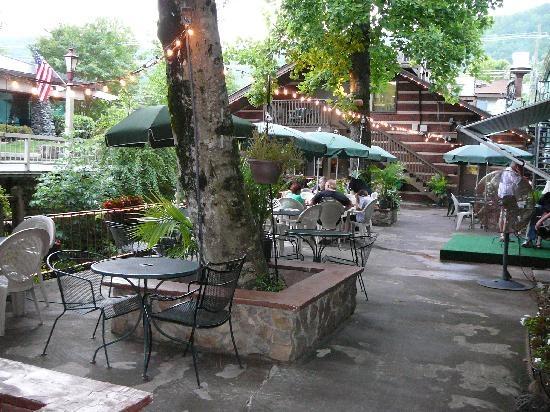 Gatlinburg Tn Hotels >> The Best Little Italian Restaurant Gatlinburg TN-great pizza by the river and the best fried ...
