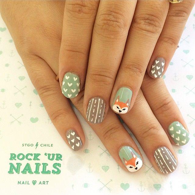 All you need is  and  #rockurnails #nails #nailart #notd #instanails #turquoiseandcaicos #merinocool #foxnails #foxnailart