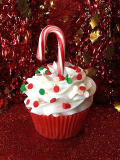 Christmas cupcakes for the neighbors this year Visit www.sealedbysanta.com for your letter from santa!