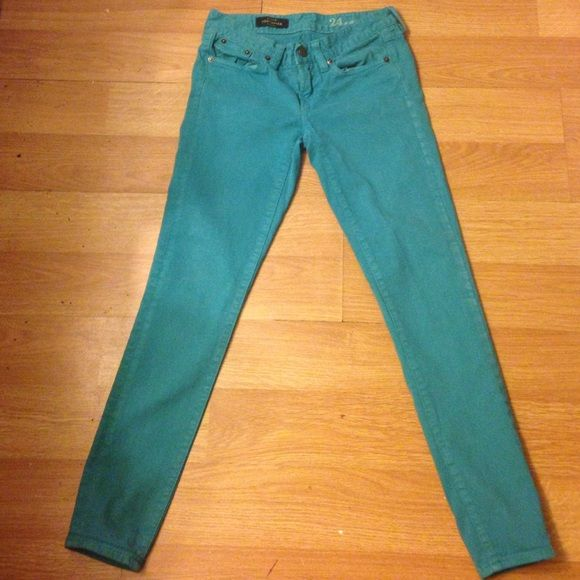 "J. Crew turquoise jeans J.crew turquoise jeans- used and show wear- size is 24-style is "" J.Crew toothpick"". Price reflects condition. J. Crew Jeans"
