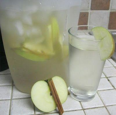 Agua para desintoxicar de Manzana y Canela ideal para dietas reductoras. - Vida Lúcida