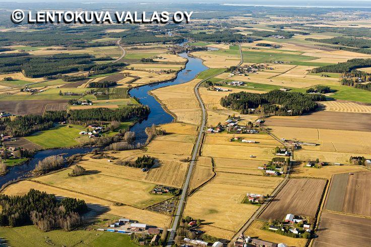 Vetensuvanne, pelto- ja jokimaisema, Kalajoki Ilmakuva: Lentokuva Vallas Oy