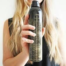 Oribe Dry Texture Spray. Finnes på Stas i Trondheim bl.a