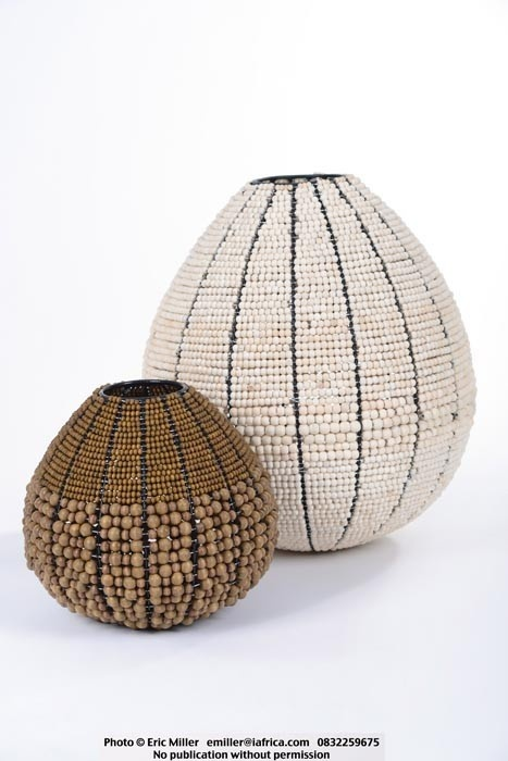 Bowls, wire-frame, wood and metal beads - Ikhaya - Streetwires