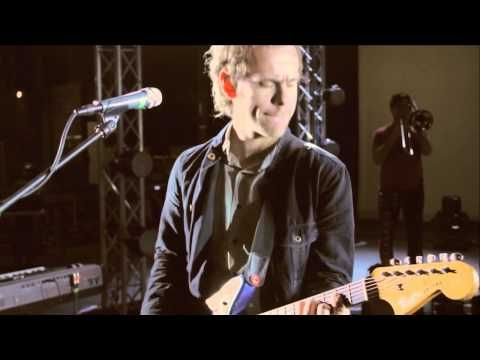 Great live recording of Santaclara, one of my favourite songs by The National.     Happy Genius Heroes.