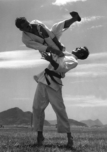 brazilian jiu-jitsu :: minha forma preferida de exercício nessa época da minha vida.