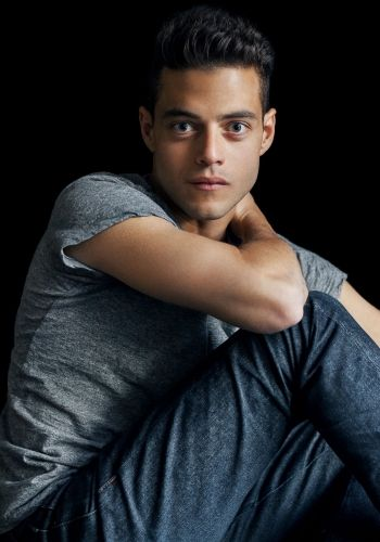 Rami Malek  > Photoshoot 2015  > Set 013  http://rami-malek.org/photos/thumbnails.php?album=185