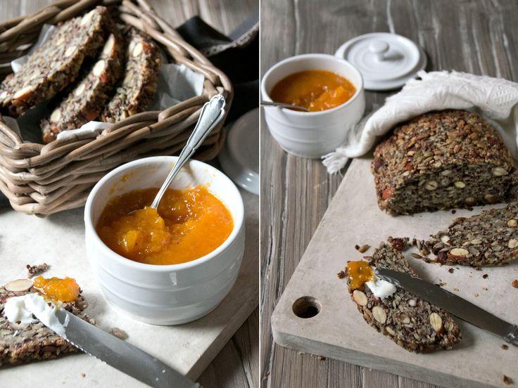 Kürbis am Abend, Kürbis am Mittag und jetzt neu: Kürbis zum Frühstück. Stimmt nicht ganz, es gab ja schon Kürbis-Smoothies und Kürbis-Pancakes zum Frühstück. Aber Kürbis-Marmelade, das ist neu! Ich…