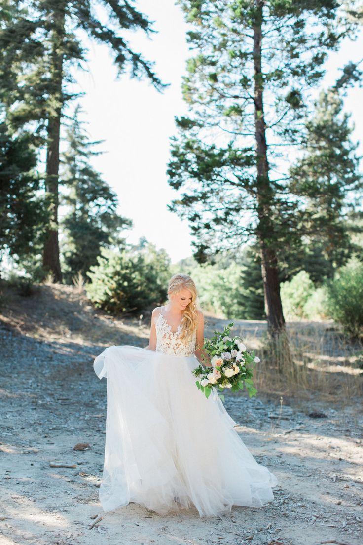 Aline Hayley Paige wedding dress:  Photography: Jenna Joseph Photography - jennaphoto.com/   Read More on SMP: http://www.stylemepretty.com/2016/10/04//