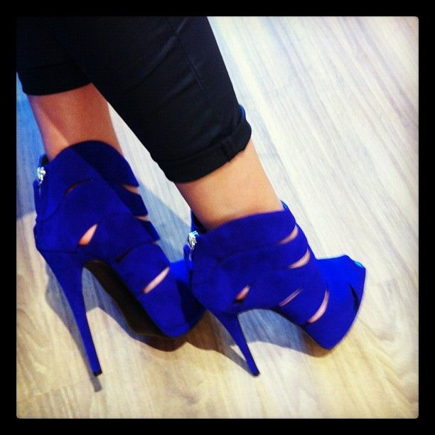 1000  images about Heels on Pinterest | Sexy Shoes heels and Pump