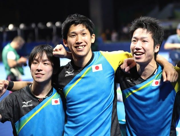 歴史を変えた3人の卓球男子。左から丹羽孝希、吉村真晴、水谷隼【写真:青木紘二/アフロスポーツ】