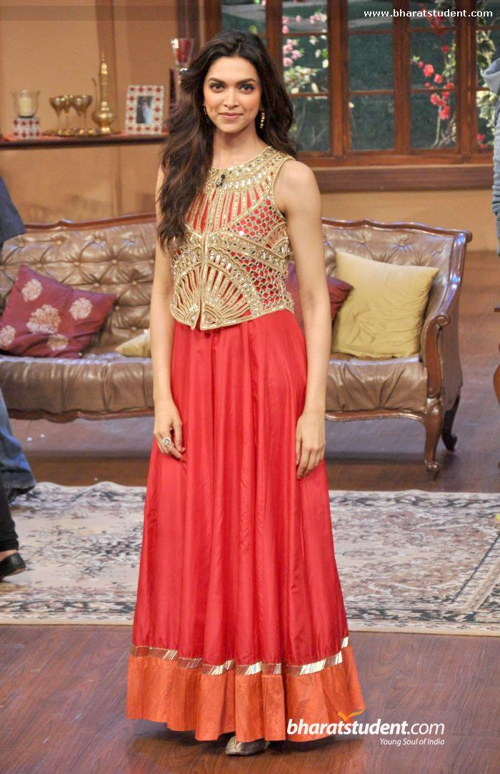#Deepika Padukone in a creation by Arpita Mehta at 'Comedy Nights with Kapil' 2013 to promote 'Chennai Express'