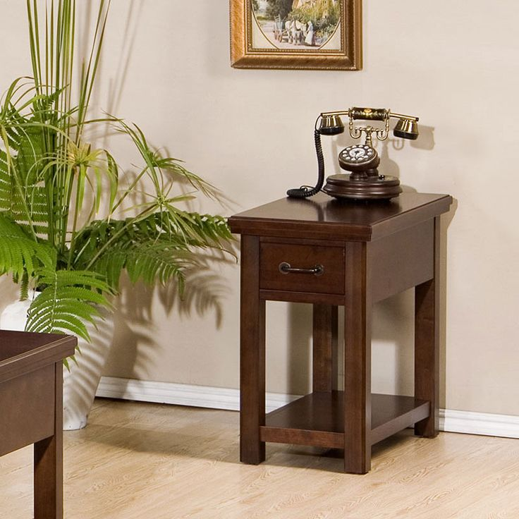 Willow Creek Chairside Table   Barrs Furniture   The Best Online Furniture  Store. Best 25  Best online furniture stores ideas on Pinterest   Online
