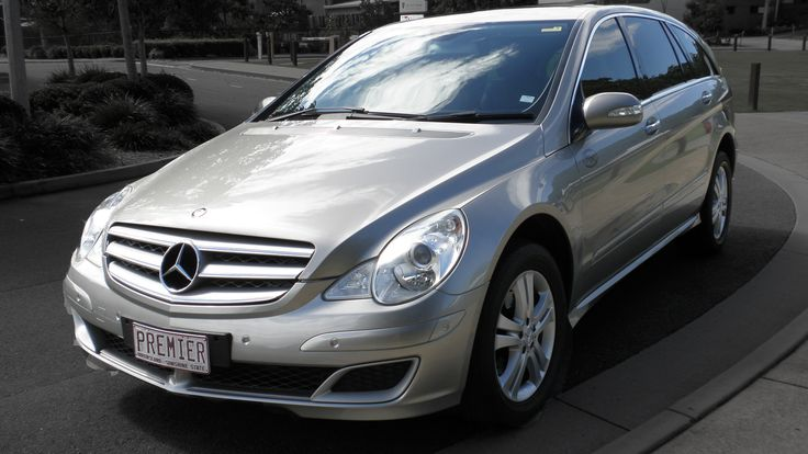 Mercedes R500 Corporate Car, Seats 5 passengers in comfort. #CorporateCarsBrisbane #LimousinesBrisbane #AirportTransfersBrisbane