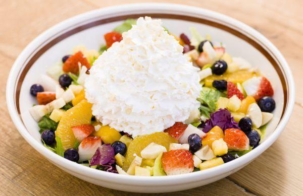 サワーホイップクリームのフルーツサラダ