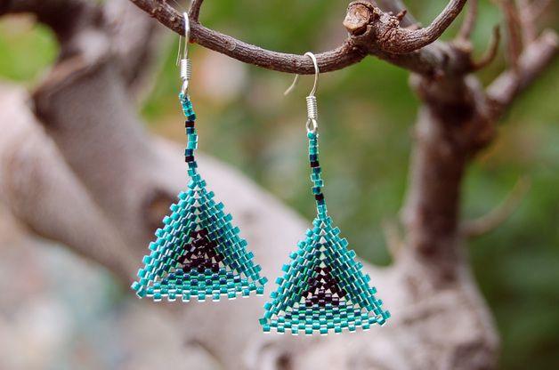 Triangle beaded earrings, Dreieckige Ohrhänger Peyote, bead-it-up auf Dawanda
