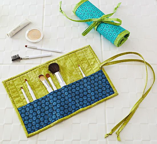 It's time to face your cosmetics clutter. Corral your makeup brushes inside this clever roll-up pouch that has divided pockets to fit narrow and wide brushes. Then roll it up and fasten the tie ends for compact storage.