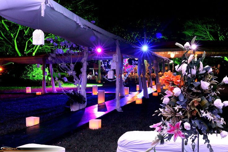 Pinterest the world s catalog of ideas for Boda en un jardin de noche