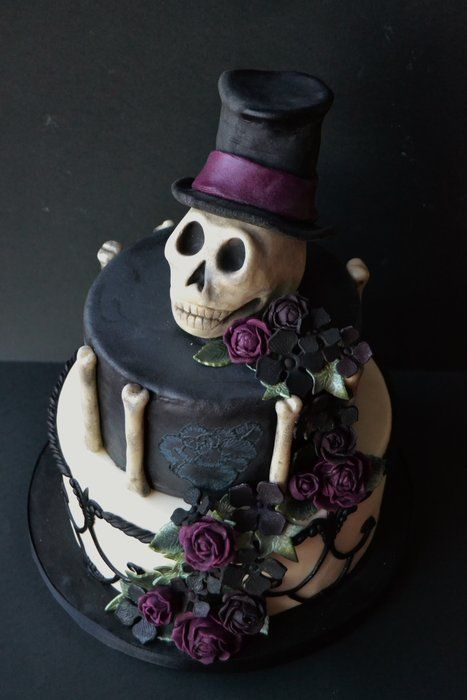 Halloween Glamour Cake - by SaboresdaAlma @ CakesDecor.com - cake decorating website