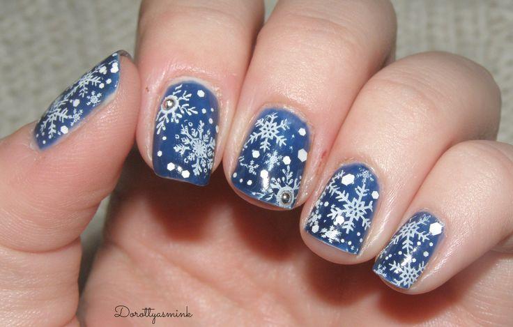 Snow Snowflakes Nails