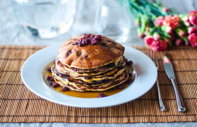 Pancakes with blueberries and yogurt greek