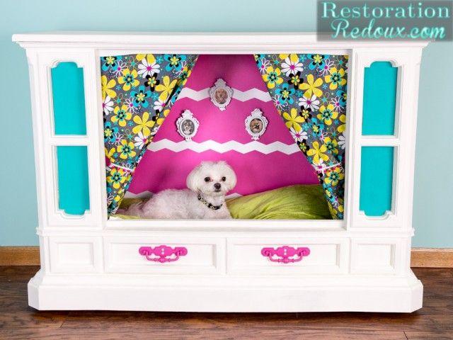 Retro-TV-Doghouse