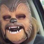 Elle a cassé Facebook Live avec un masque de Chewbacca : Mark Zuckerberg linvite