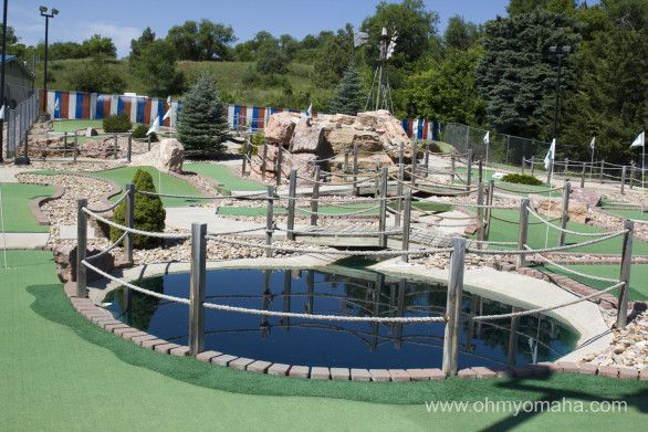 South Dakota >> There's a motel in Hot Springs, South Dakota, that has free putt putt golf for guests. | South ...