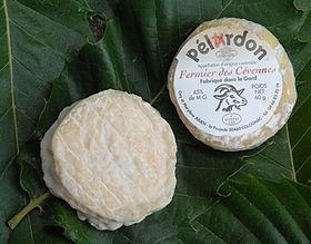 Pélardon     ------------------origine  France     Région, ville  Languedoc-Roussillon, Cévennes     Lait de  chèvre     Pâte  molle à croûte naturelle     Appellation, depuis  AOC, août 2000    AOP, décembre 2001