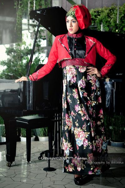 #Abaya with colour : Black & red