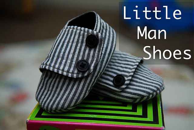 These shoes are absolutely adorable! Come check out the pattern and tutorial and make them for your little man!