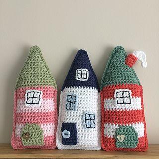 Folk_houses_small2