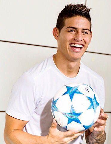 Keep on smiling ...#jamesrodriguez