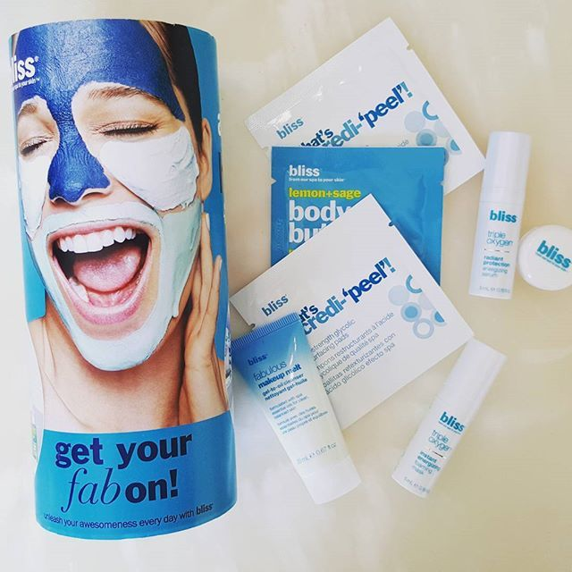 Oh @topbox it's as if you read my mind with this #prive #box Ive wanted to try @bliss_spa line!  #subscriptionbox #monthlyboxes #beautybloggers #bblogersca #bbloggers #beauty #beautiful #skincare #skin #love  #topbox #june