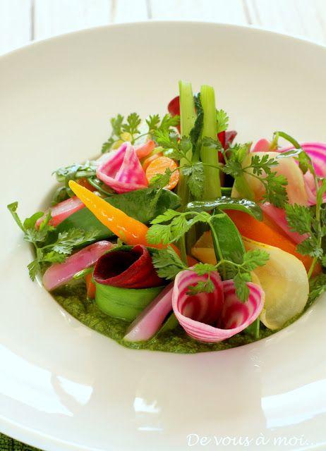 De vous à moi...: Légumes Croquants Marinés sur un Coulis de Mâche et Burrata