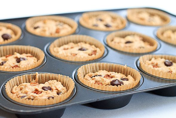 Healthy Banana Muffins with Yogurt, Pecans and Chocolate Chips // wishfulchef.com