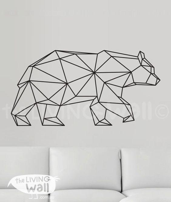Cet ours graphique apporte une touche de modernité à un intérieur épuré