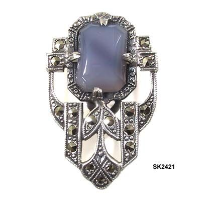 http://fashionableshenanigans.blogspot.ca/2011/04/1920s-art-deco-jewelry.html