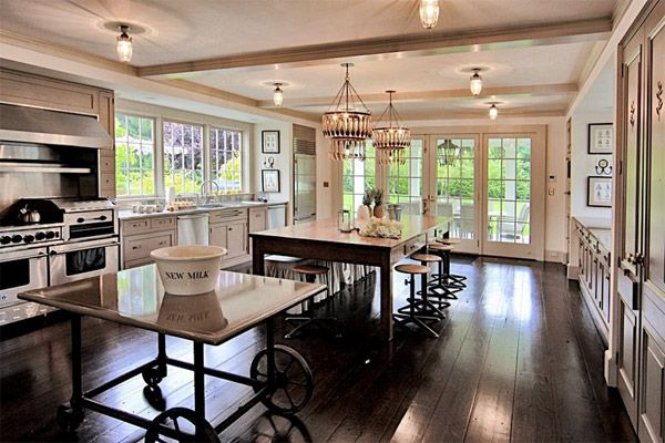 Celebrity Style Meg Ryan Kitchen Meg Ryan S Home In Martha S Vineyard Floor360 Suggests