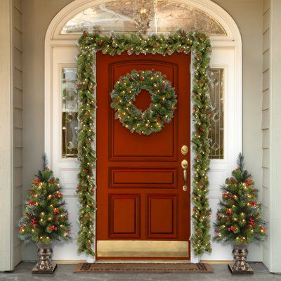 Three Posts Spruce Pre-Lit Wreath with Clear Lights LED Color: Clear