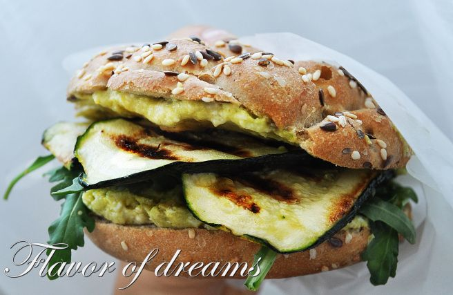 sandwich with avocado-egg cream