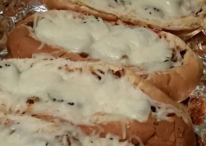 Graziano Italian sausage sandwiches Recipe -  How are you today? How about making Graziano Italian sausage sandwiches?