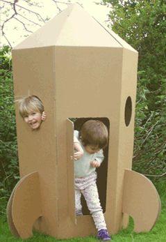 Ideas y material gratis para fiestas y celebraciones Oh My Fiesta!: Naves espaciales de cartón. Juguetes de cartón.