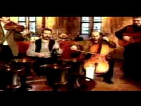 ▶ Szélkiáltó - Áldalak búval, vigalommal - YouTube