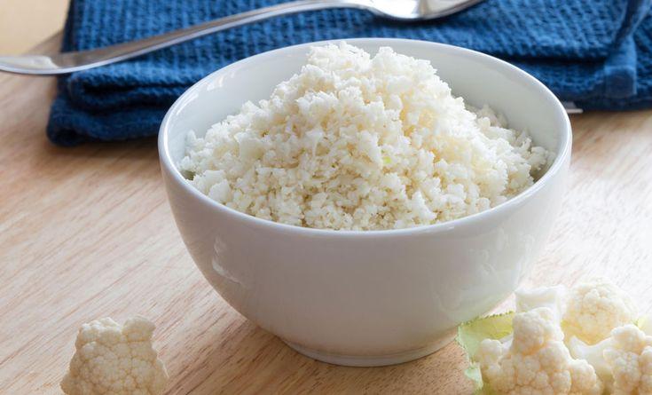 Il riso di cavolfiore, anche detto cous cous di cavolfiore, è una delle ricette più in voga del momento. Come si fa? Semplice, si lava bene un cavolfiore, si asciuga e si frulla o grattugia fino a dargli la dimensione del riso. Il cavolfiore, soprattutto crudo, ha tante proprietà benefiche ed inoltre è ipocalorico e  … Continued