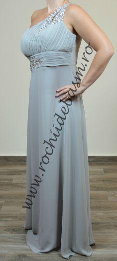 Rochie de seara gri cu strasuri #rochiidesearagri #rochiidesearacuaplicatii #grayeveningdresses