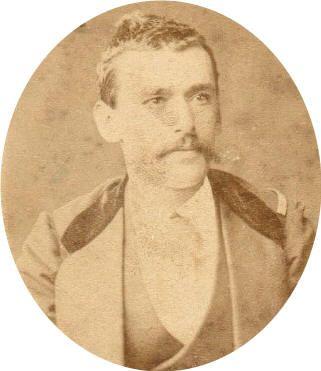 Abel Garretón (¿-1896), Capitán de la 4° Compañía, del 2° Batallón del Regimiento 2° de Línea. Participó en el combate de Topater, desembarco en Pisagua, Tarapacá. Asciende a Sargento Mayor y participa en Tacna, Chorrillos y Miraflores.