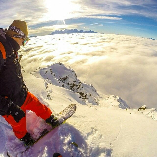 #snowboarding #snowboard the feeling you would get right before doing this would be the most crazy, scariest, amazing feeling ever.