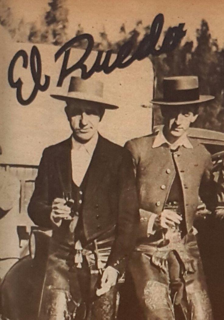 Una de las pocas fotos en las que se puede ver a Belmonte y Manolete juntos.
